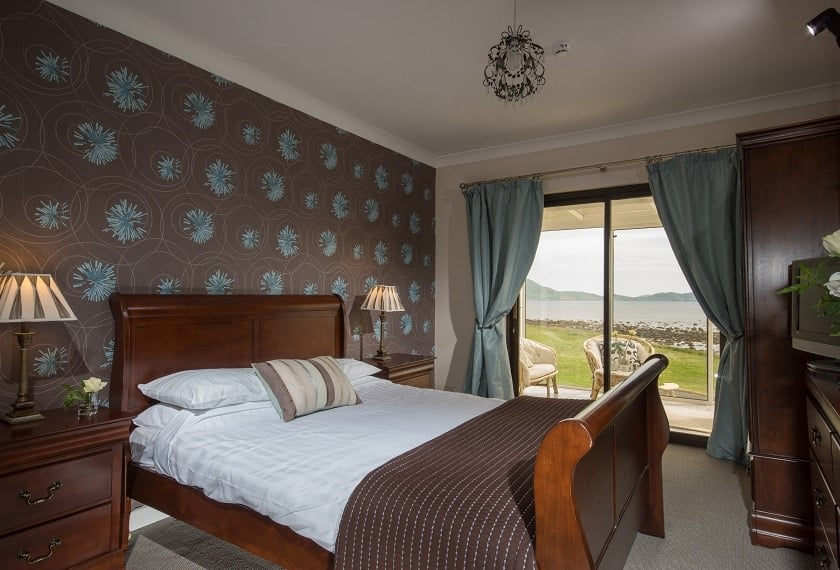 NOW CLOSED WIN Overnight Stay for Two in The Smugglers Inn with Good Food Ireland