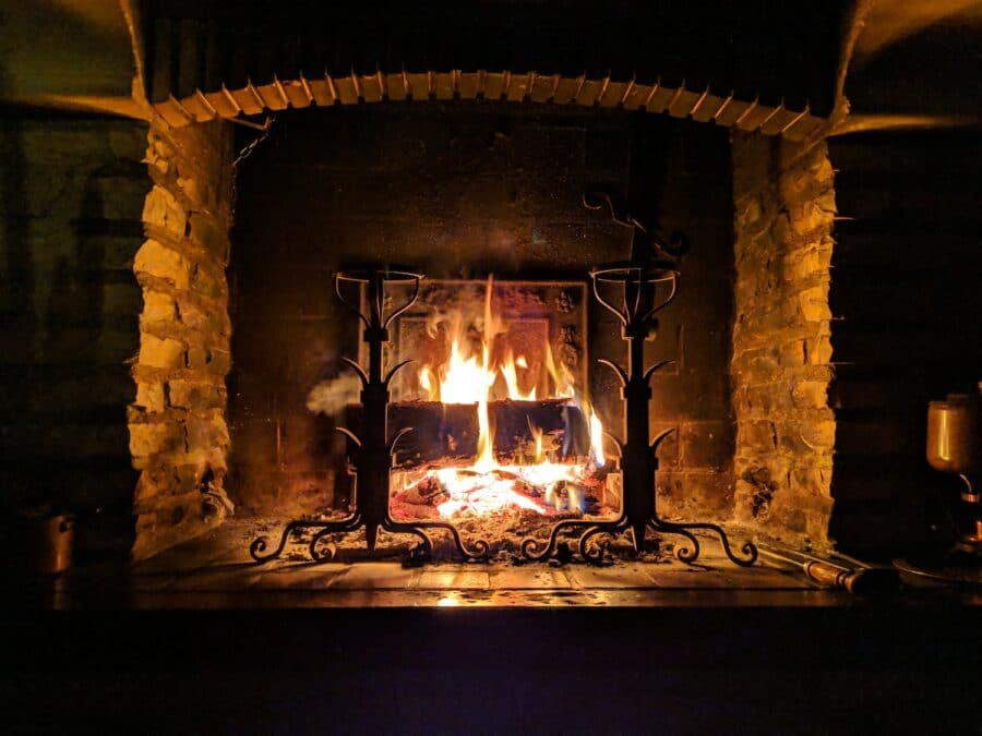 Fireside Feasts – Ireland's Cosy Pubs